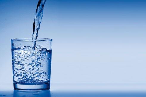 http://www.moncoachlagom.com/wp-content/uploads/2012/01/verre-eau.jpg